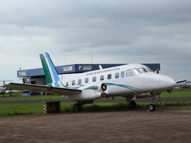 Avião do Governo em boas condições não impede gasto milionário com táxi aéreo: tá sobrando dinheiro? (Foto: Campo Grande News/Arquivo)